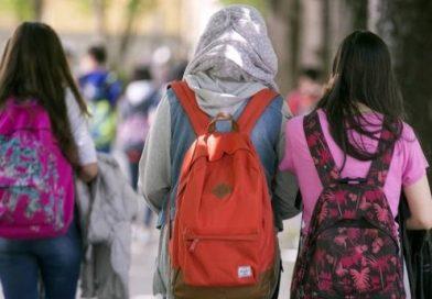 Los colegios valencianos permitirán la asistencia a clase con velo y otros símbolos culturales y religiosos