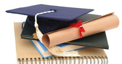 Aumentar 100 € en las becas de los estudiantes con rentas bajas es la nueva medida que quiere proponer el Ministerio de Educación.