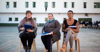 La Universitat colabora en la creación de una revista creada por reclusas del Centro Penitenciario de Picassent