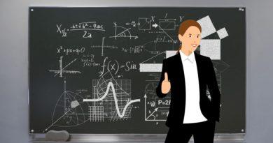 Carmen Pomar anuncia la incorporación de 1.000 nuevos profesores al sistema educativo gallego