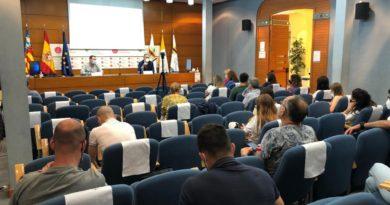 Aulas del futuro en la gestión y liderazgo de centros educativos y dirección de personas